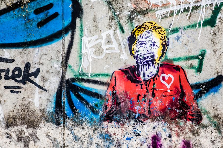 sebastian-matthias-werbefotografie-businessfotografie-street-wiesbaden-frankfurt-graffiti-merkel