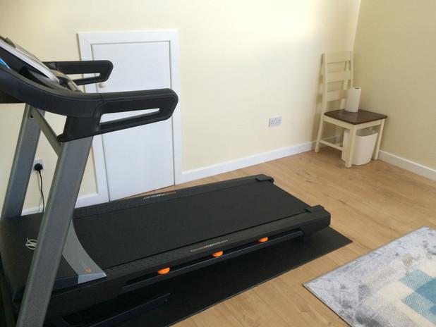 Home gym_treadmill