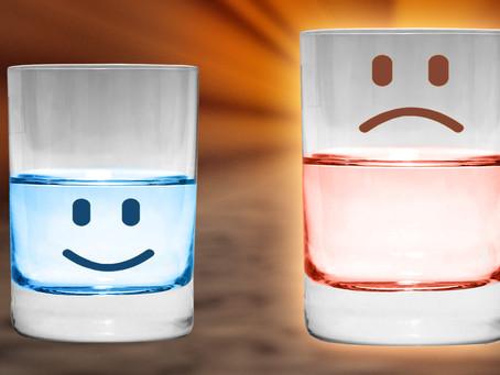 על איזה חצי כוס כדאי להתבונן?