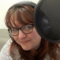 Tracy H presenter