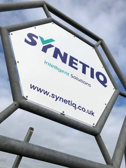 Synetiq Totem Sign