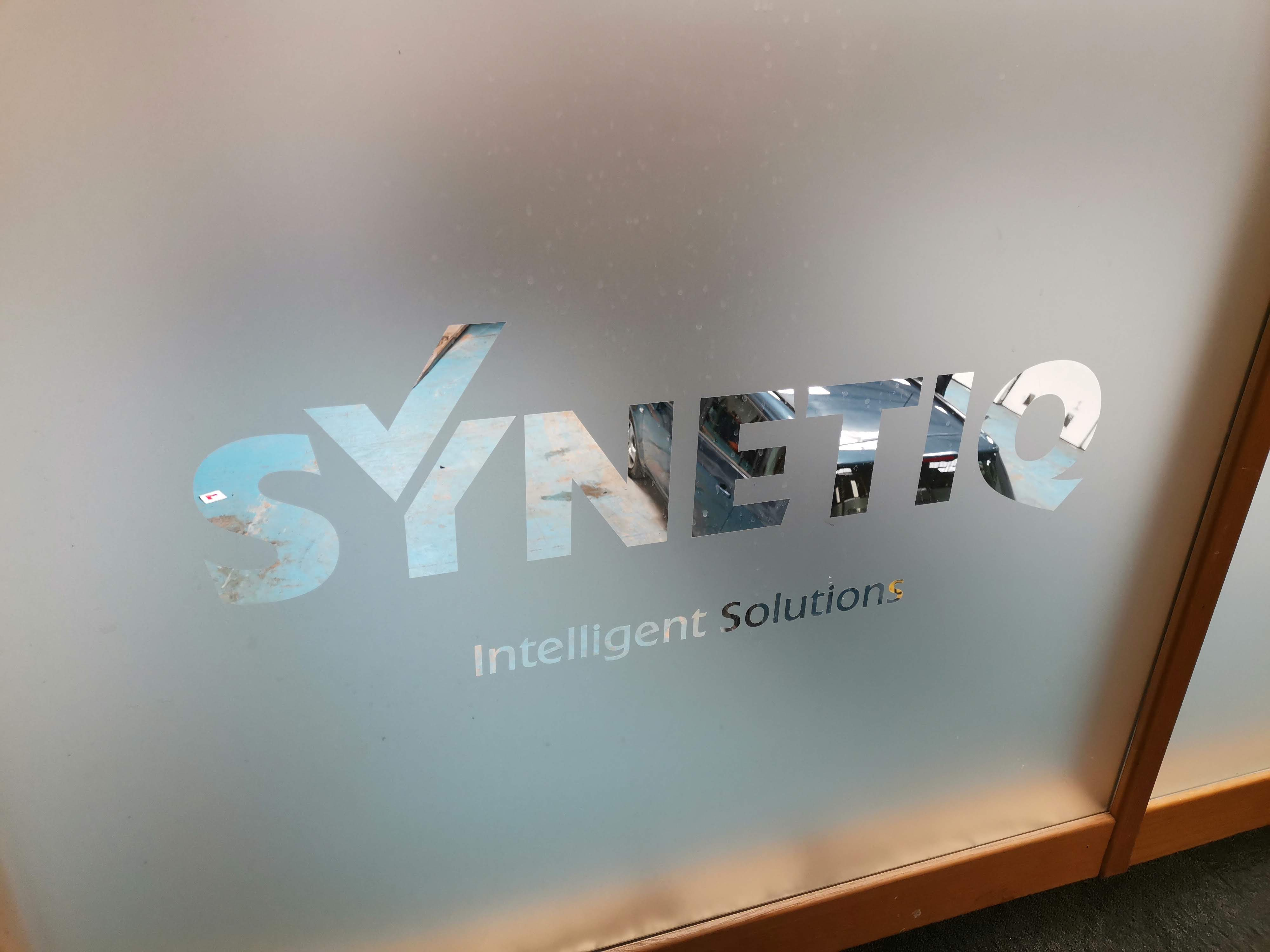 Synetiq Boardroom Window Etch