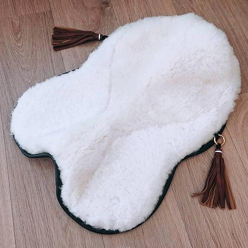 Couvre-selle en peau d'agneau véritable