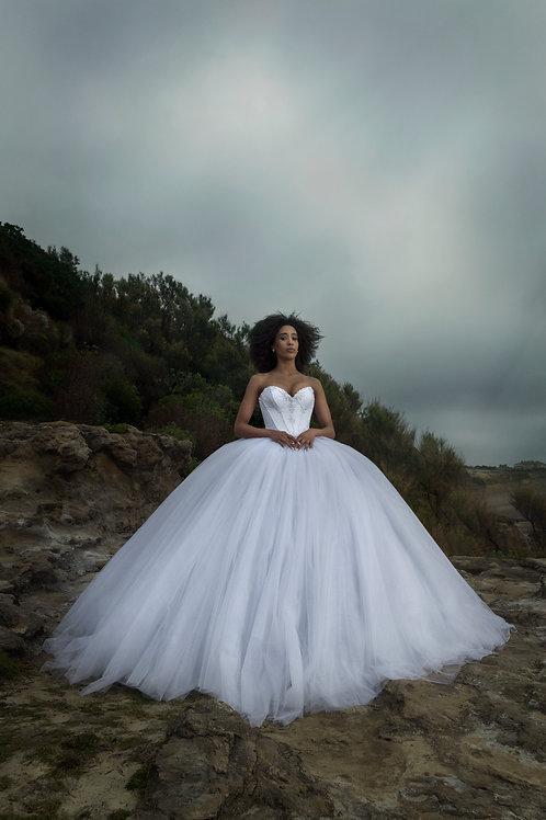 Robe de mariée princesse - perles nacrées et paillettes argentées - crinoline no