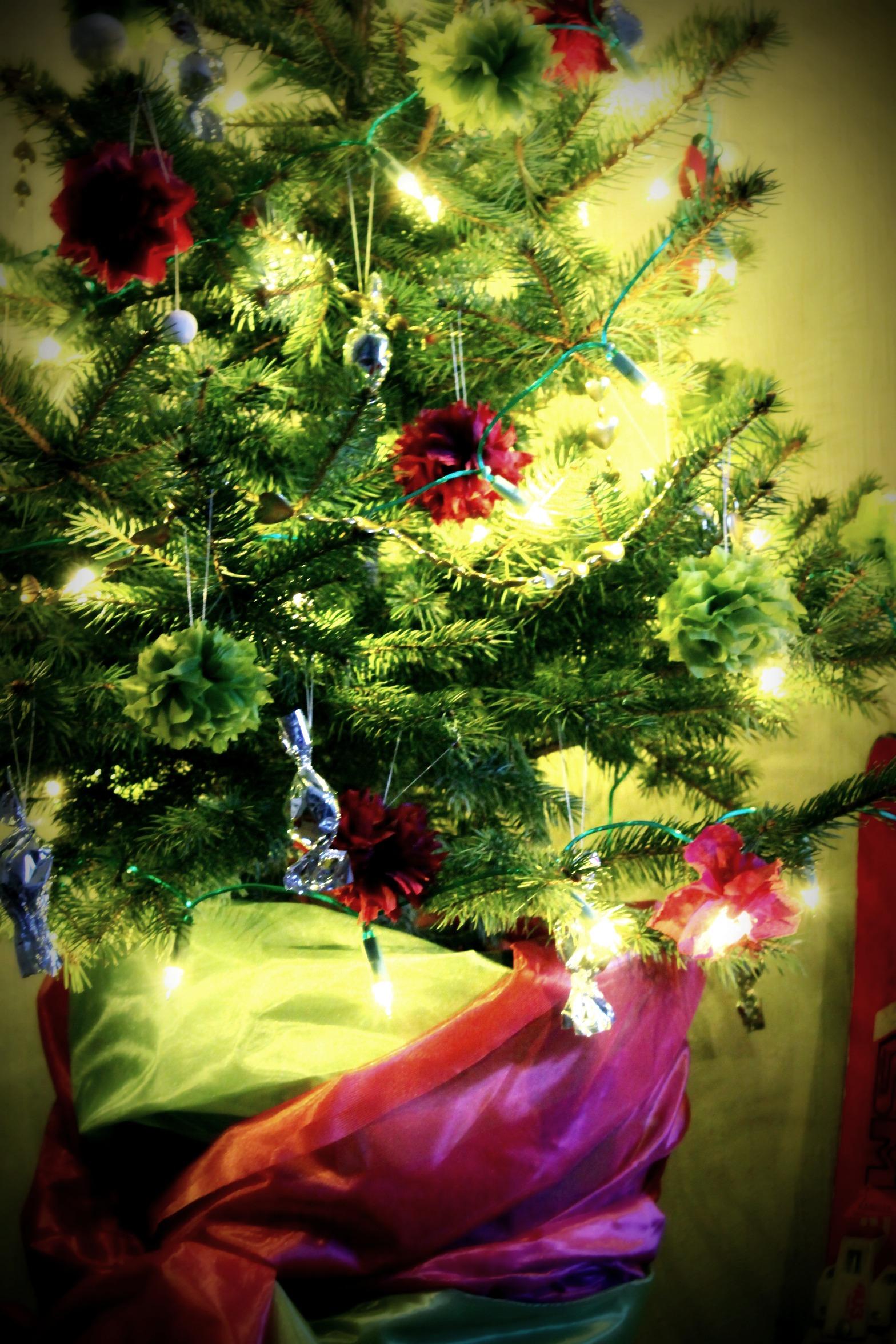Napkin flowers xmas ornament