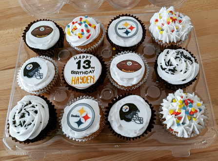 sports cupcakes.jpg