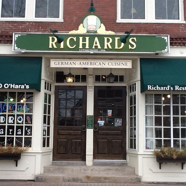 Commercial Awning - Richards Restaurant