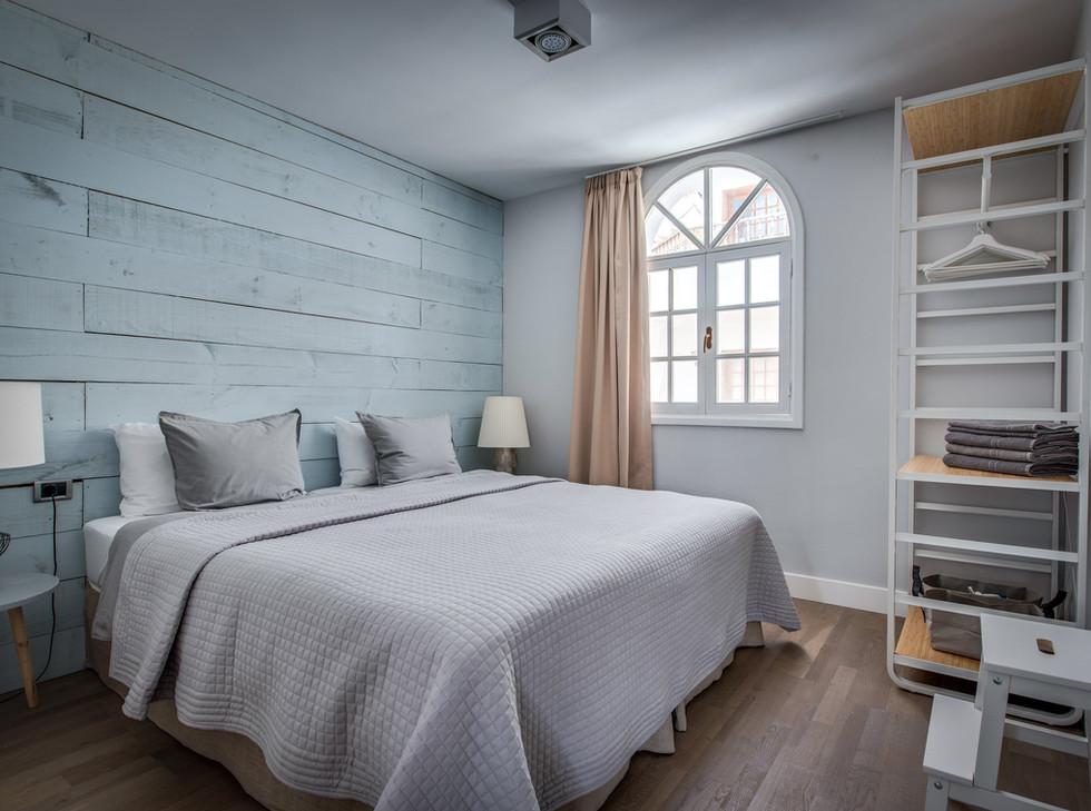 ApartmentBlue-3.jpg