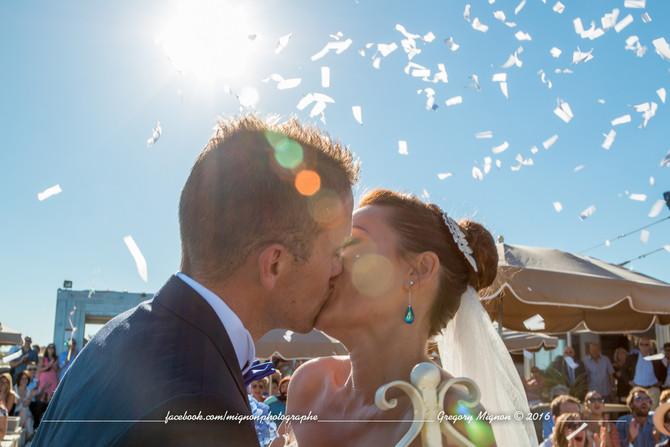 Une cérémonie chic et glamour bercée par les flots de la Méditerranée, Sylvie et Florian - Août 2016