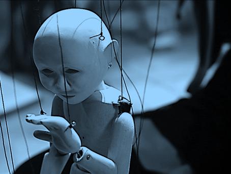 Az érzelmeimre felfűzött marionett bábu vagyok...