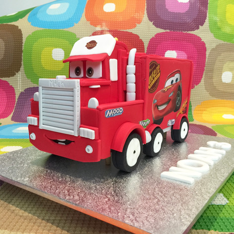 """Cars """"Mack"""" Cake"""