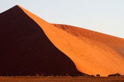 Curves (Namibia, Sossuvlei)