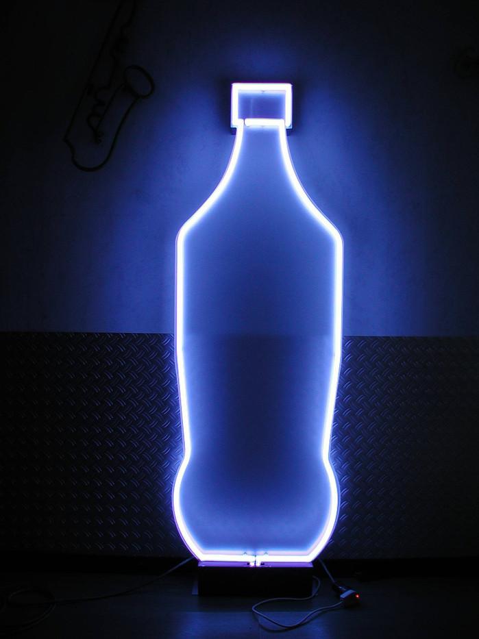 Neonflasche.jpg