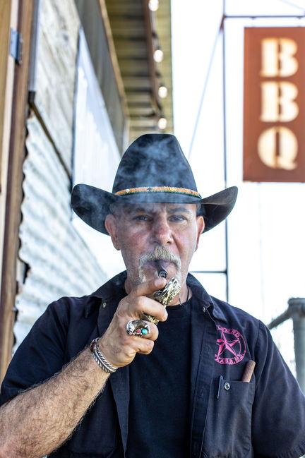 Ara Malekian: Harlem Rd BBQ