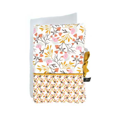 Protège carnet de santé fleuri