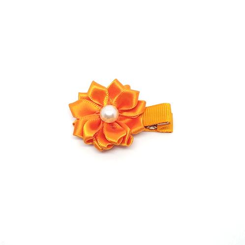 barrettes fleur orange et perle blanche