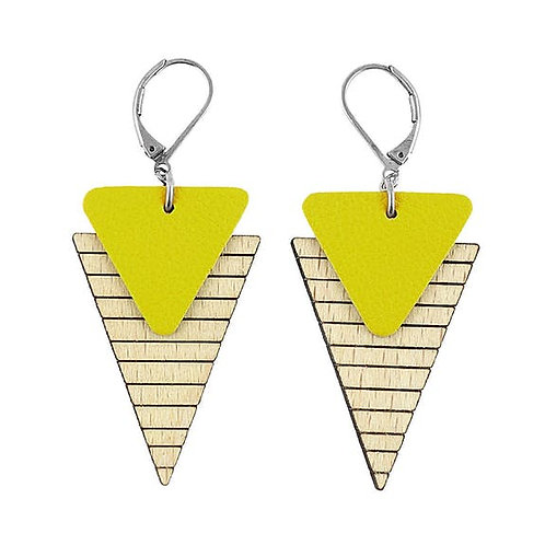 Boucles d'oreilles triangle en bois eco-responsable et cuir recyclé jaune