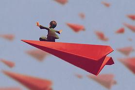 Fliegender Papierflugzeug