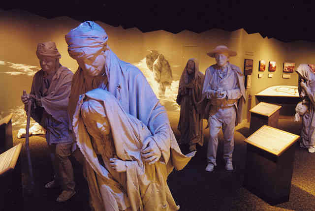 trail of tears museum exhibition sculptures