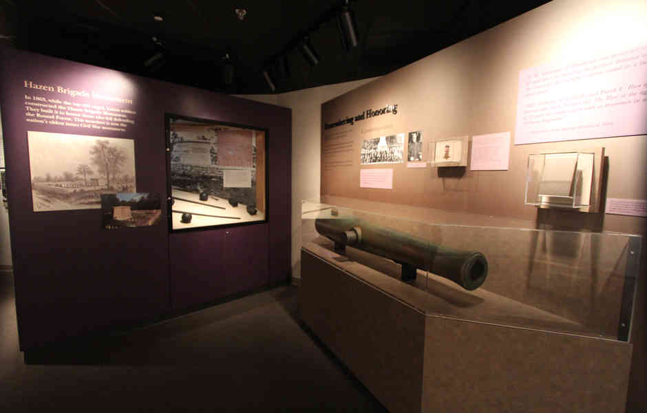 stones river national battlefield visitor center and headquarters exhibit artifacts in case