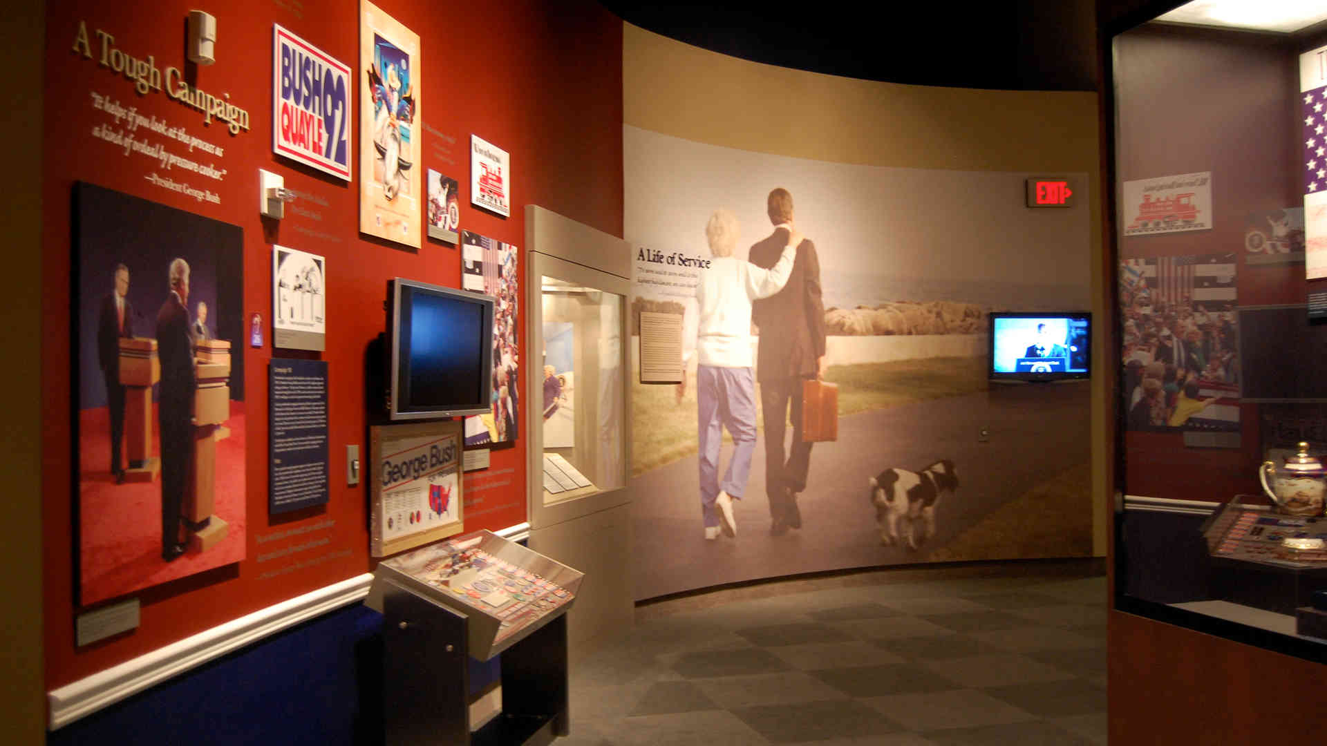 george bush library and museum exhibit graphics