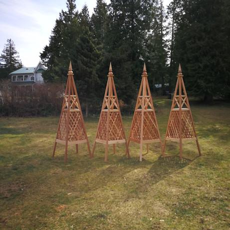 8' Diamond Trellis Obelisk with Custom Spire Finial