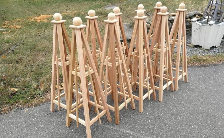 4' Cedar Obelisks with Sphere Finials