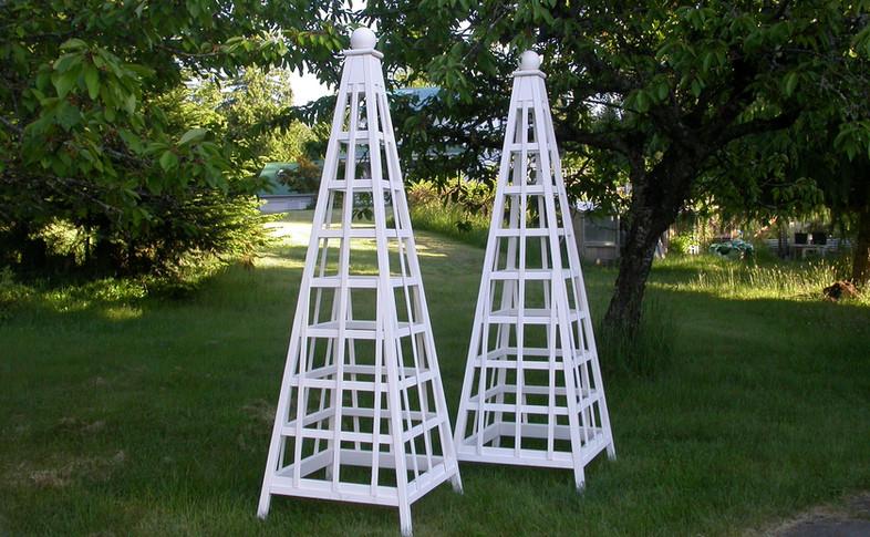 8' Cedar Trellis Obelisk