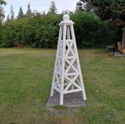 5' Criss Cross Obelisk, Solid White Stain