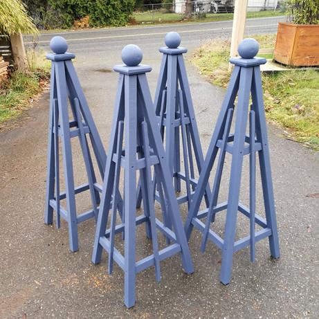 4' Cedar Obelisk