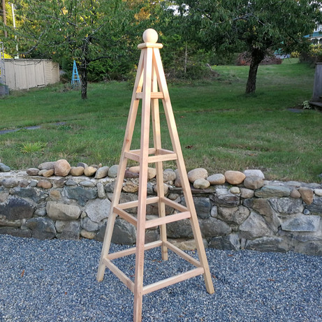 6' Cedar Obelisk, Sphere Finial