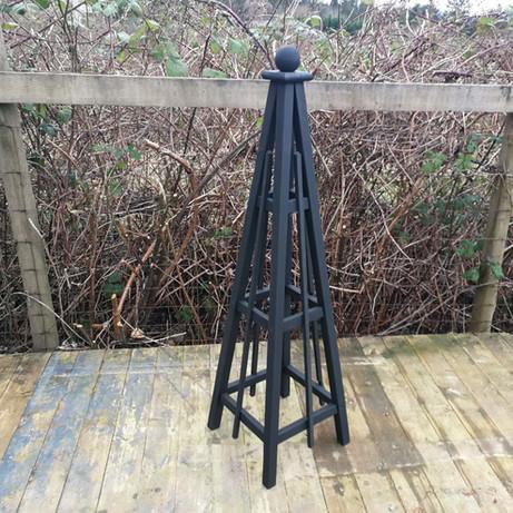 5' Cedar Obelisk, Solid Slate Stain