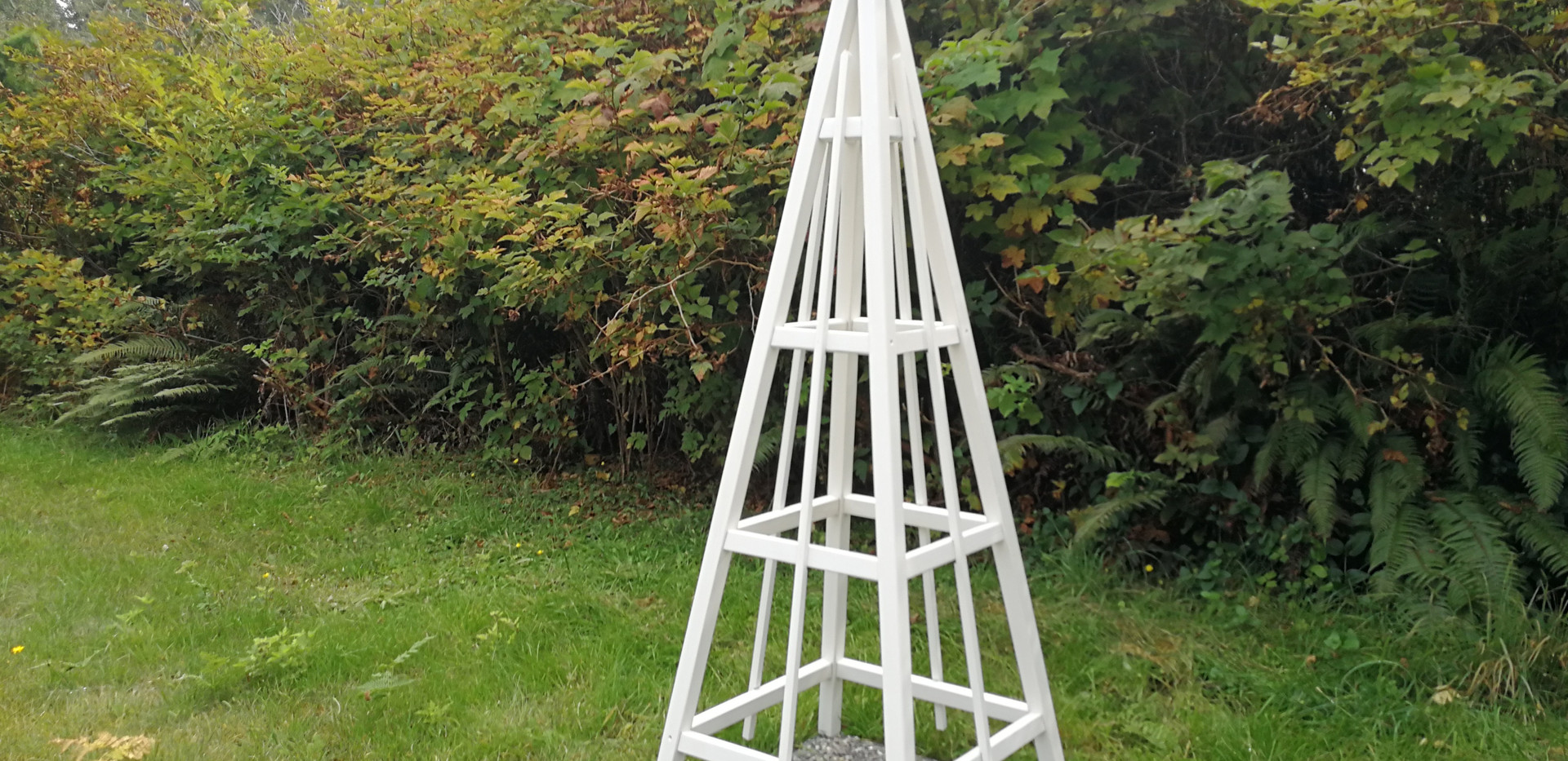 6' Cedar Obelisk with Solid White Stain