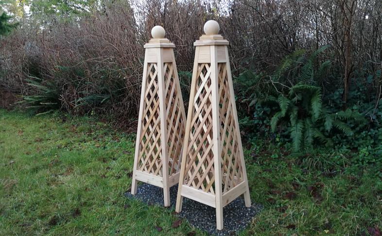 Cedar Diamond Trellis Obelisks