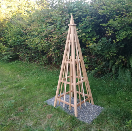 6' Cedar Obelisk, Spire Finial with 3 Vertical Mid Bars