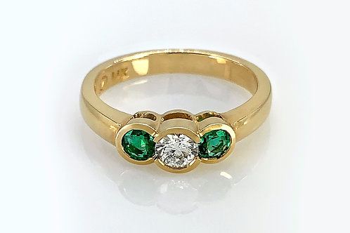 14KY Three Stone Diamond and Emerald Ring