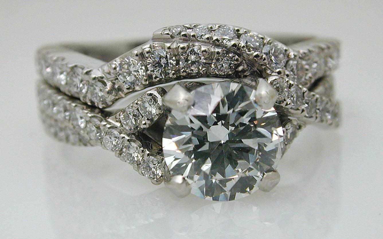 Custom Set with 1 carat Center