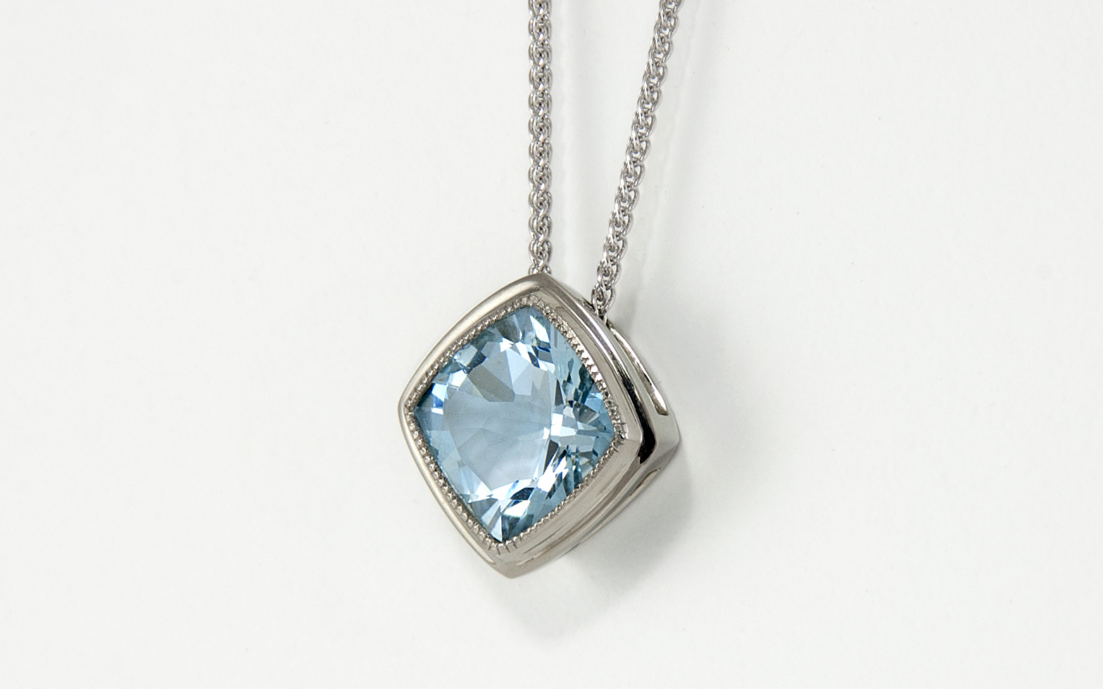 14KW 2.65ct Cushion Cut Aquamarine Pendant