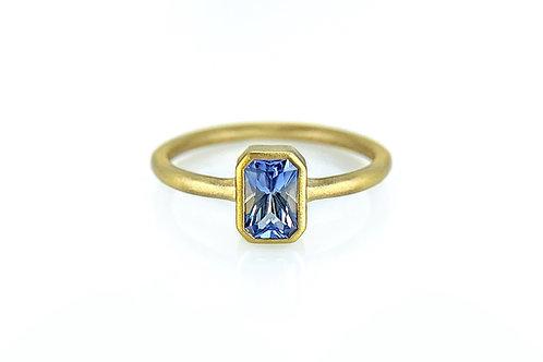 14KY Sapphire Bezel Ring