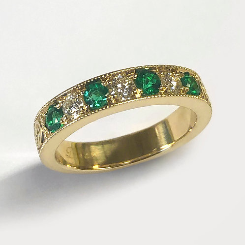 14KY Hand Engraved Emerald and Diamond Band