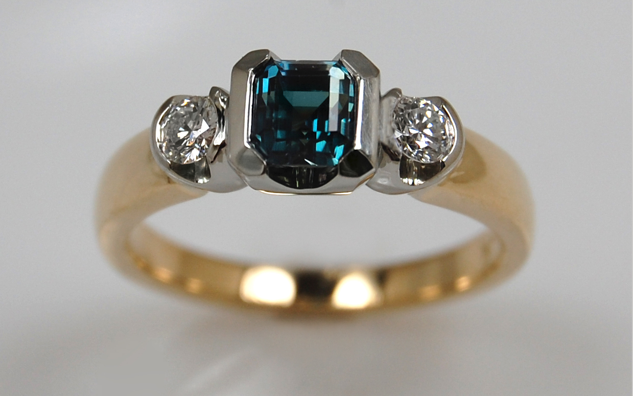 Two Tone Alexandrite & Diamond