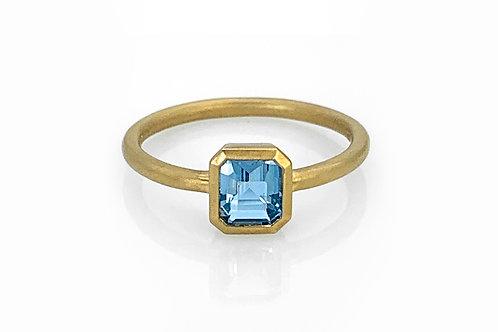 14KY Bezel Set Emerald Cut Aquamarine Ring