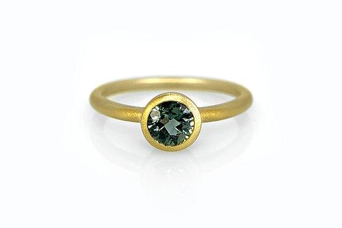 14KY Green Sapphire Bezel Ring