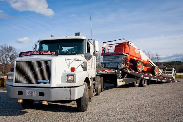 Hampshire Towing - Equipment Towing 1