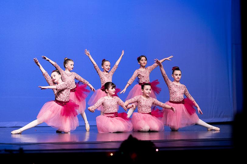 ballet-dancers-lace-costumes-pose