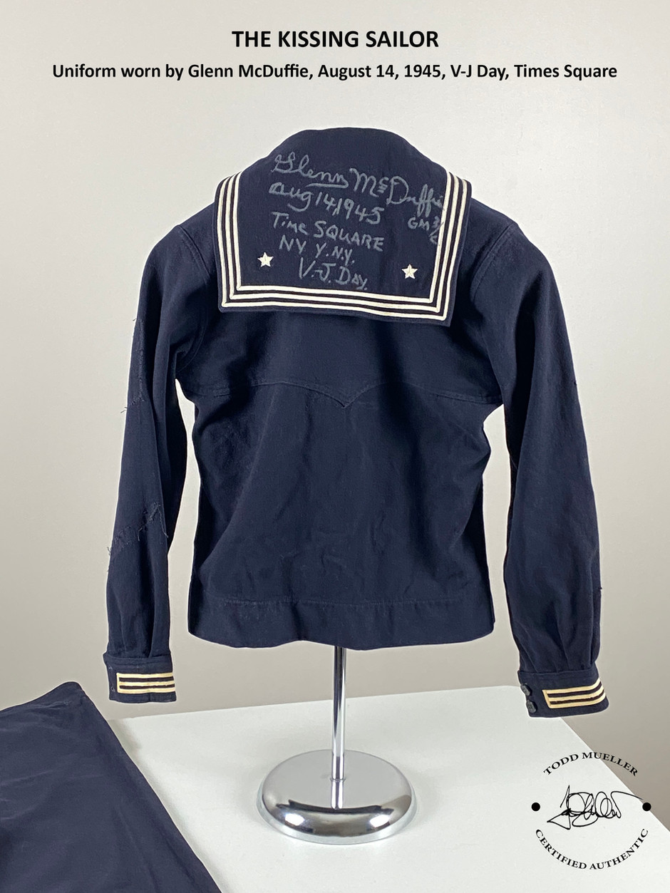 Uniform of 'The Kissing Sailor' in V-J Day Photo headed to auction June 5