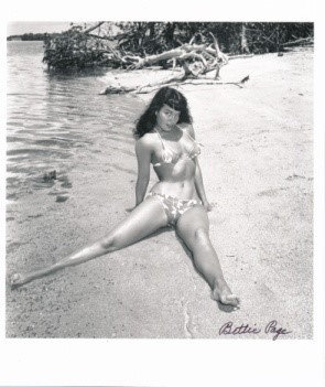 Bettie Page Autographed Bunny Yeager 8x10 1950s Pin-up Photo 042