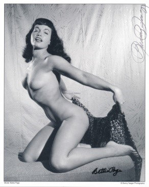 Bettie Page Autographed Bunny Yeager 8x10 1950s Pin-up Photo 004
