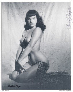 Bettie Page Autographed Bunny Yeager 8x10 1950s Pin-up Photo 005