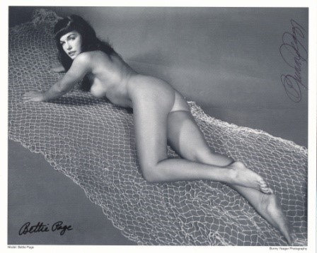 Bettie Page Autographed Bunny Yeager 8x10 1950s Pin-up Photo 065